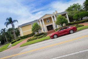 Investire in immobili negli Stati Uniti, una auto nuova e una cena squisita